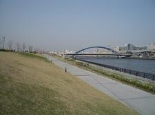 遊歩道&水神大橋